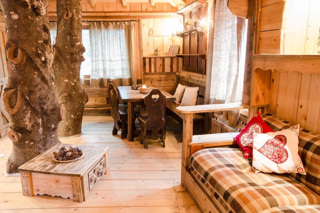 Dolomiti village dormire in case sull 39 albero in italia for Soggiorni originali
