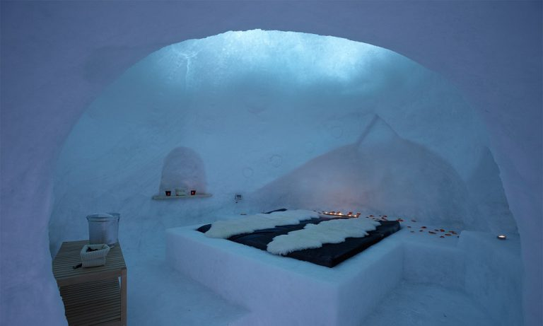 hotel particolari unusual hotels italia dormire igloo Rifugio-bellavista-dormire-igloo-italia