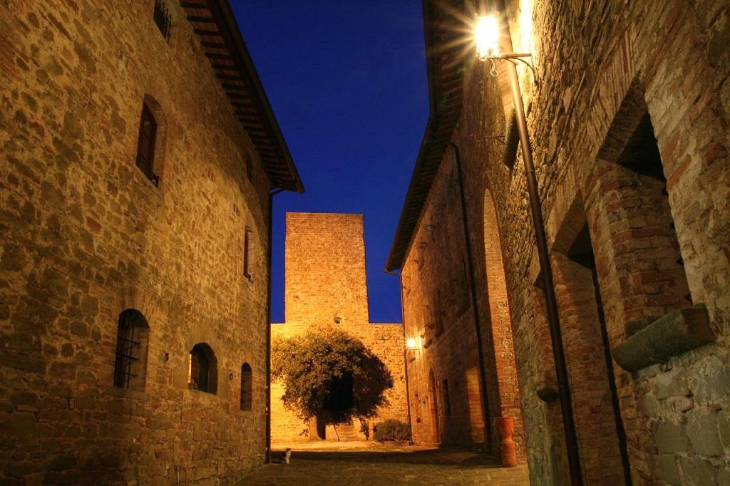 Castello di Petroia dormire in castello in umbria