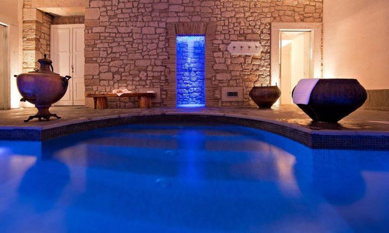unusual hotels hotel particolari Castello-montignano-3-dormire-castello-italia