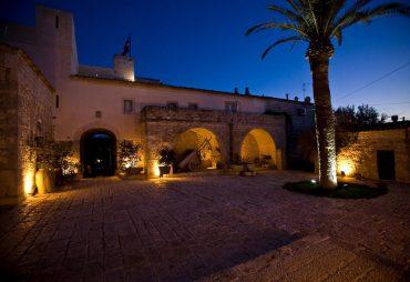 hotel particolari unusual hotel Eremo della Giubiliana dormire in abbazia eremo monastero italia