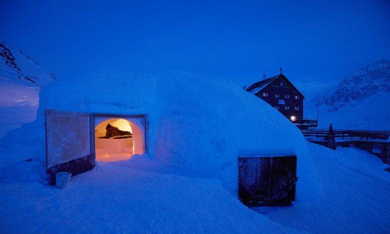 hotel particolari unusual hotels Rifugio-bellavista dormire igloo italia