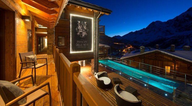 hotel particolari unusual hotels migliori chalet principe delle nevi-5